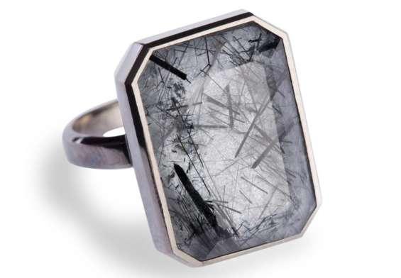 Smart Jewelry_Ringly